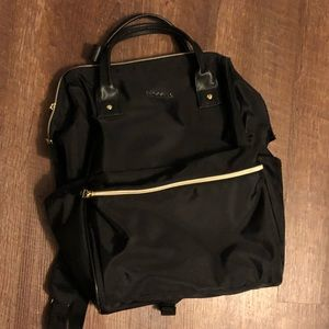 TECHNOLOGY BACKPACK MADE TO CARRY TABLET & LAPTOP